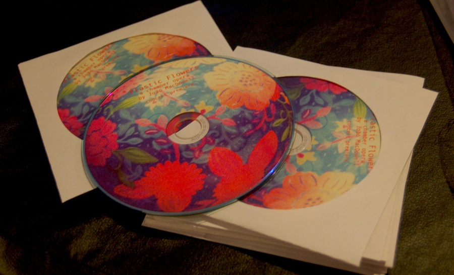 Plastic flowers CD1